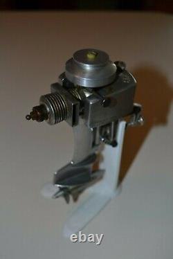 1954 Allyn Sea Fury. 049 Outboard Marine model boat engine 049 vintage toy motor