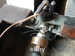 Antique Model Motor Yacht Boat Olhson & Rice Engine