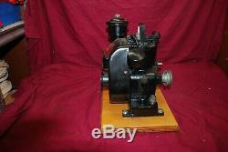Briggs & Stratton Model WI With OIl Bath Governor Gas Engine Motor