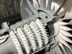 Jet Engine Model Rolls-Royce Bypass jet turbine cross-section Düsenmotor