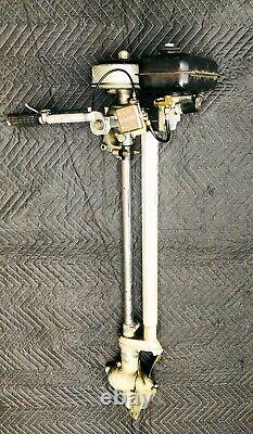 VTG BRITISH SEAGULL Model 40 Plus Featherweight OUTBOARD MOTOR Engine