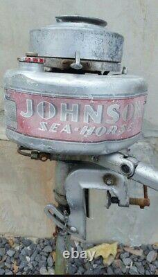 Vintage 1940s Johnson Model LT10 Outboard Boat Motor Engine