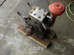 Vintage Briggs & Stratton Model B 4 Cycle Motor Type 300276